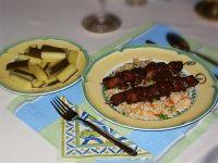 Saté babi manis (süße Schweinefleischspießchen)